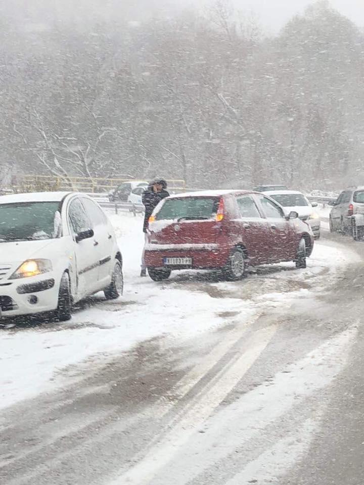 Sneg usporava sobraćaj na Tresibabi! (VIDEO+FOTO)