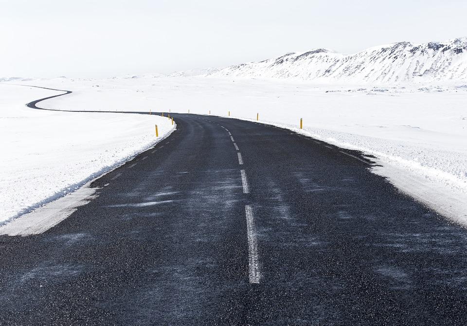 Vozači oprezno: Sneg na prevojima Tresibaba i Gramada