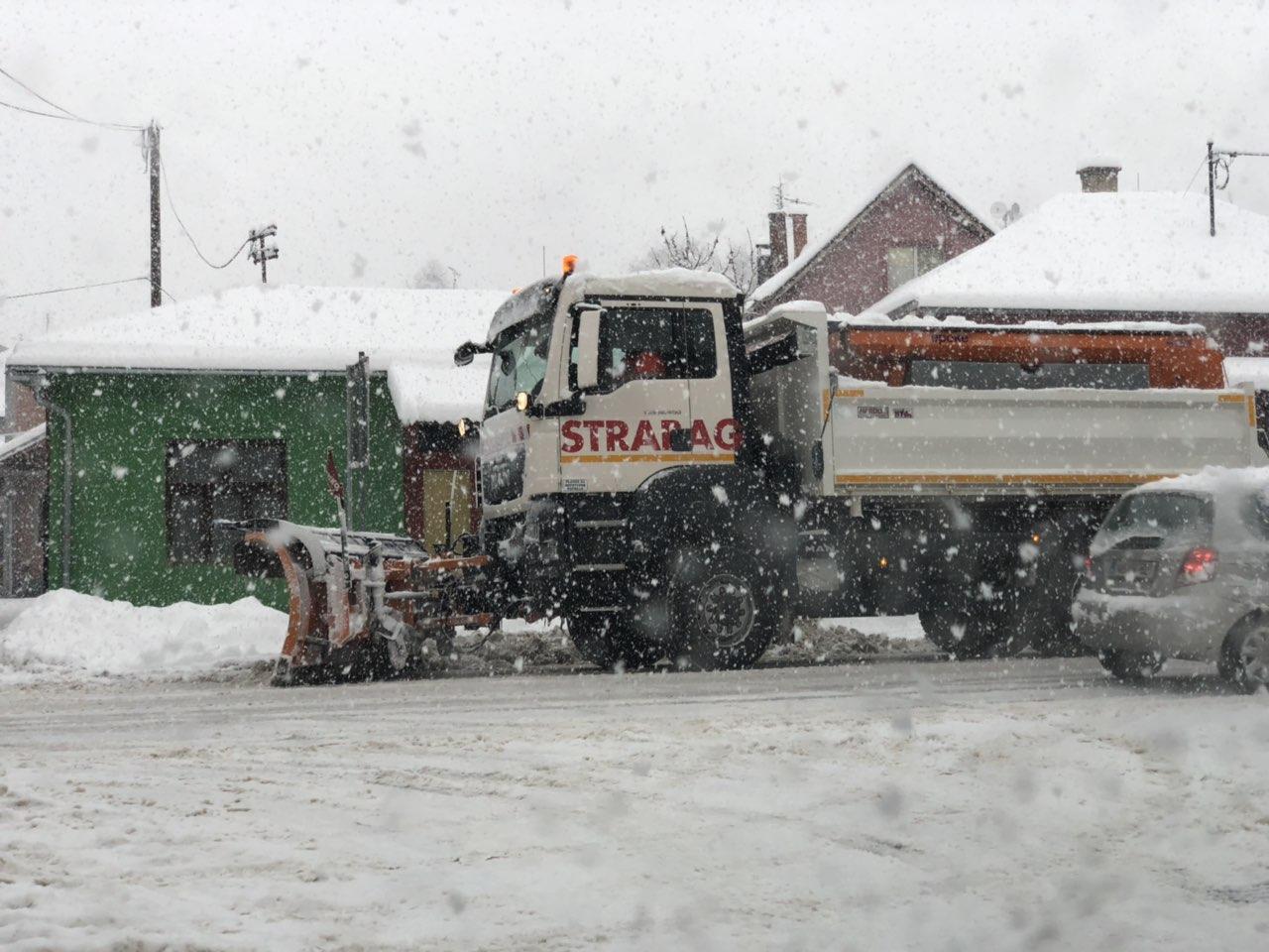 OPREZ! Sneg na prevoju Tresibaba