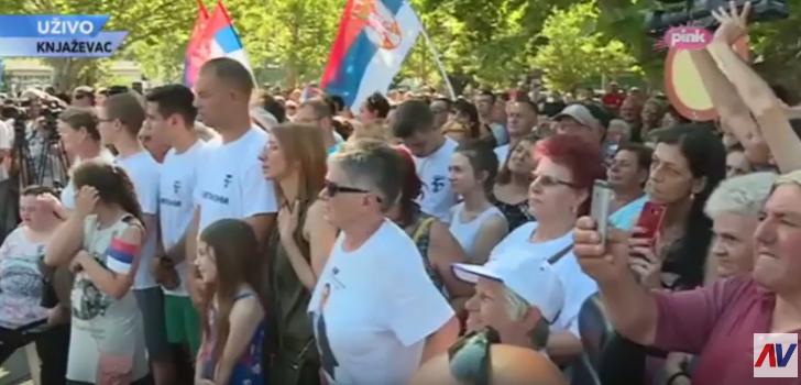Vučić u Knjaževcu, foto: PrtScr, Pink, YT kanal Aleksandar Vučić