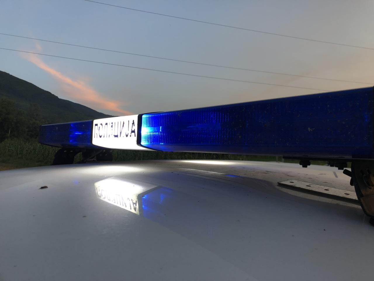 KAO U KRIMI FILMU: Ukrao auto, zamenio tablice i pokušao da pobegne
