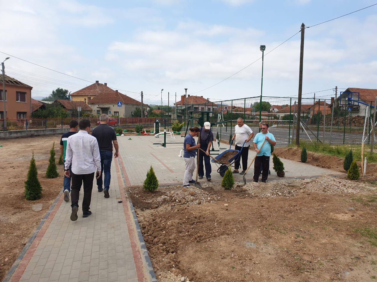 """Nova fasada, sportsko igralište, teretana na otvorenom i park u Osnovnoj školi ,,Dubrava"""""""