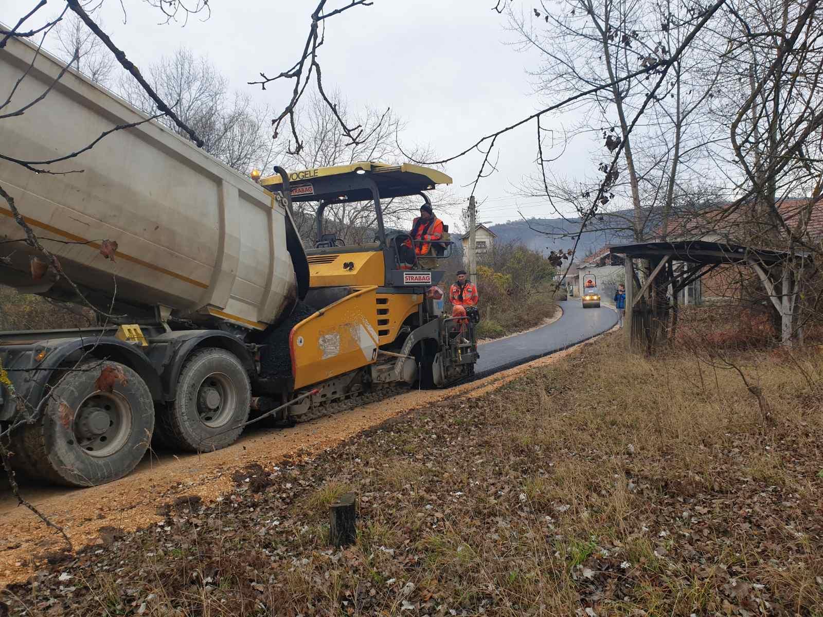 Radovi, asfalt, foto: N.M.