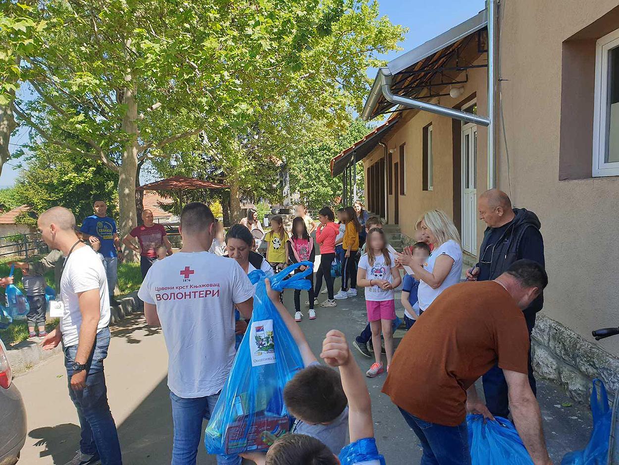 Paketi pomoći deci, foto: M.N.