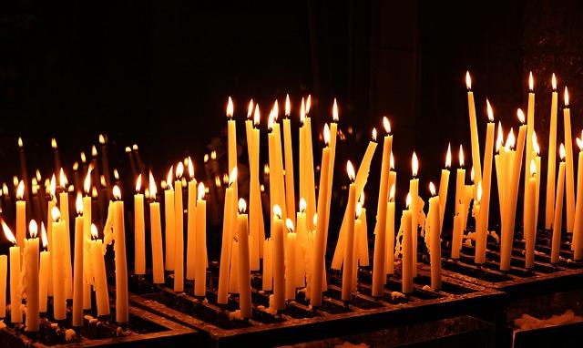 Ilustracija, sveće, zadušnice, foto: pixabay