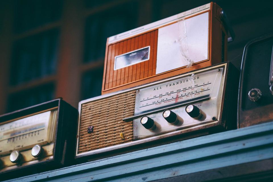 Radio, ilustracija, foto: Igor Ovsyannykov, pixabay